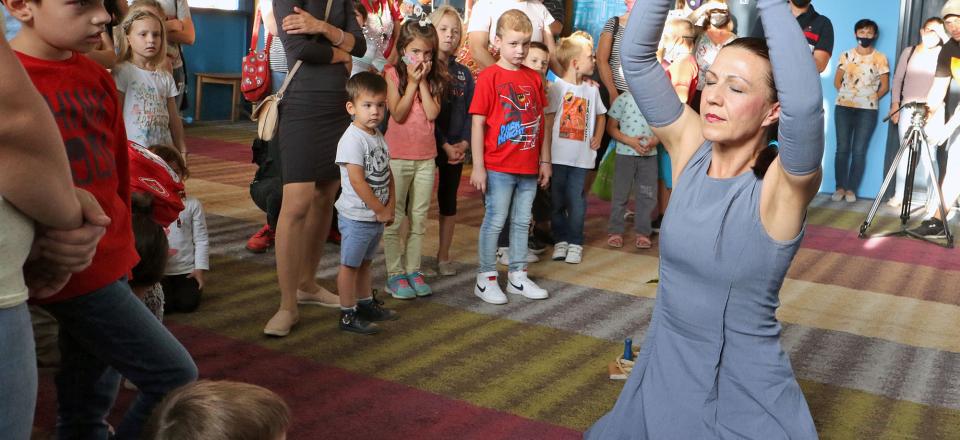 """Predstavom """"Csokibaba utazása"""" (Putovanje jedne lutke) zatvoren 27. Međunarodni festival pozorišta za decu Subotica"""