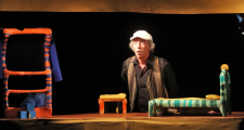 Critique of the play GULI